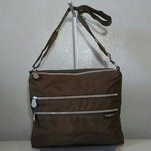 4 Pocket BAGGALLINI Travel Crossbody bag